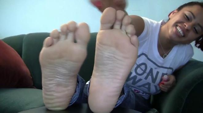 Sapphires Candid Stinky Soles Sexy Feet Collection